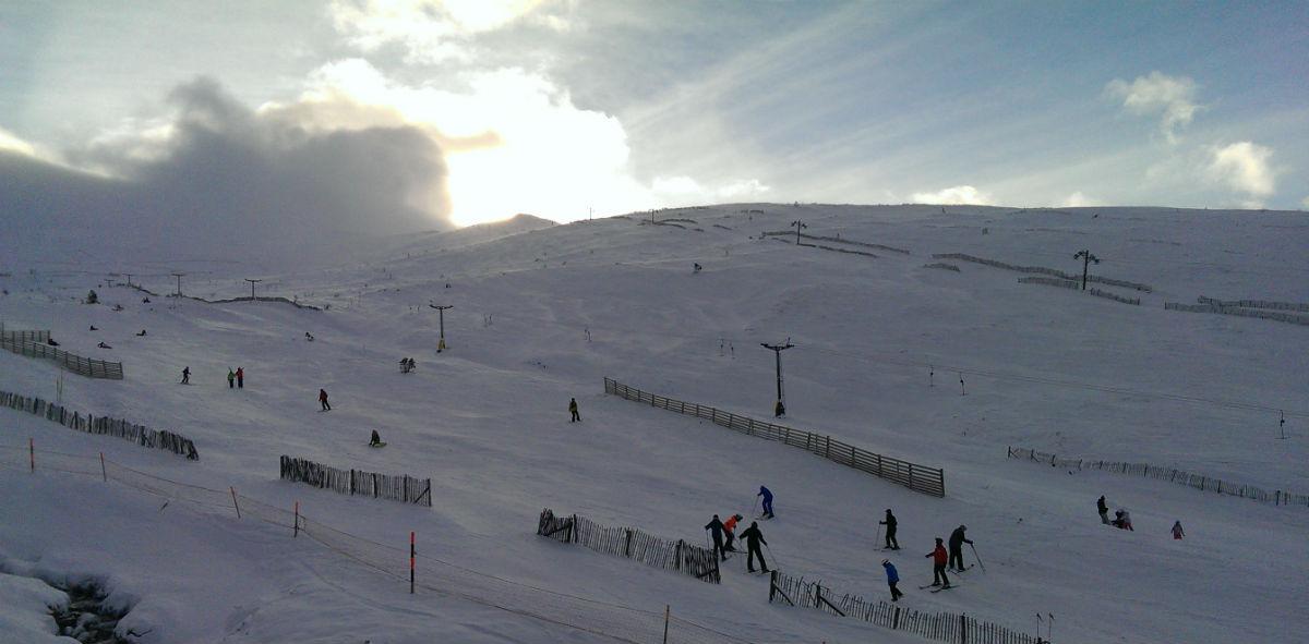 Ski Scotland, fine conditions as February ends