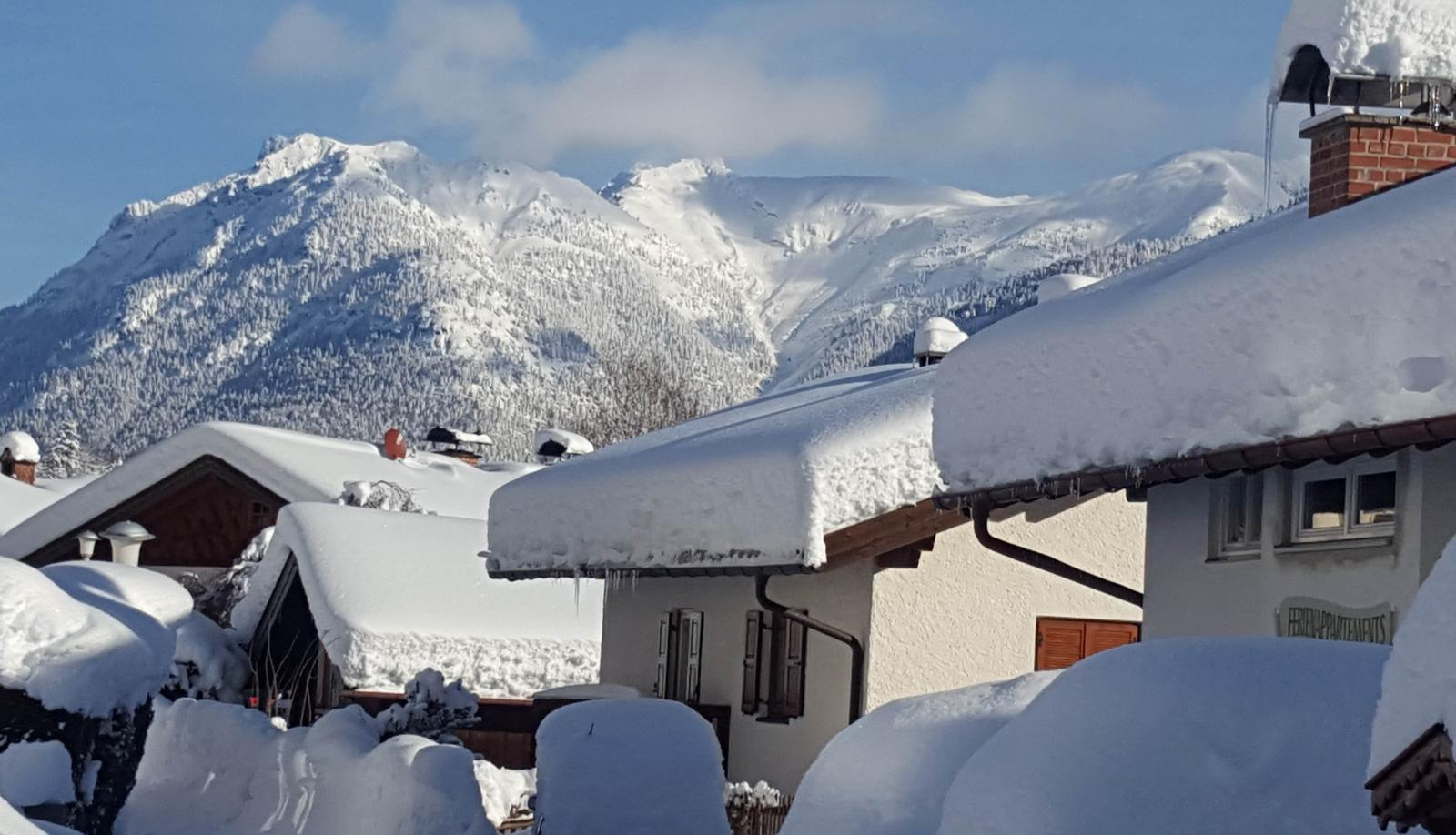 Further Heavy Snow  for Northern and Eastern parts of the Alps