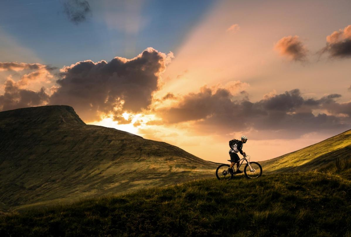 CYCLING weather: Easter weekend prospects - Fine, dry with very light to moderate winds