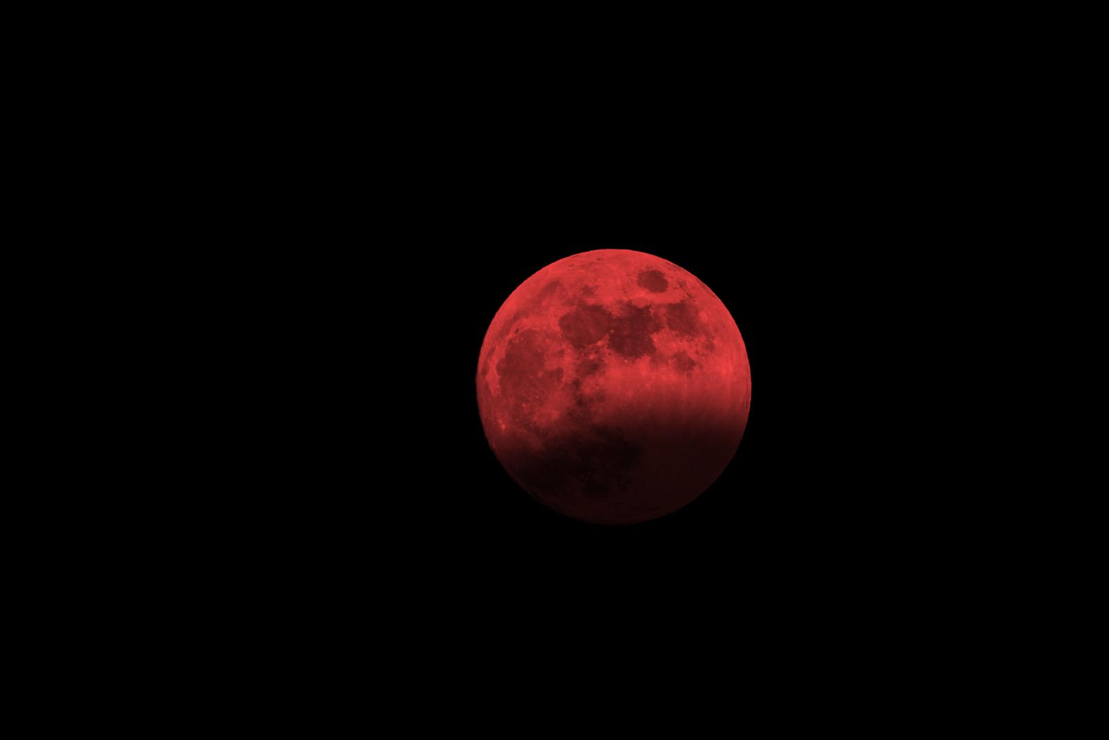 Blood Moon - Longest lunar eclipse, brilliant Mars and thundery clouds