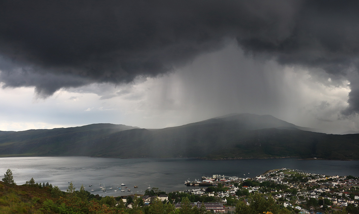 Staying cool and showery with heavy, thundery downpours