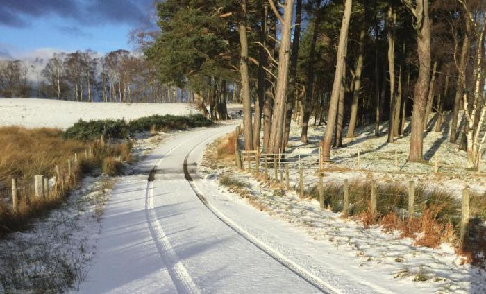 Snow moving east on Sunday with a harsh frost to follow