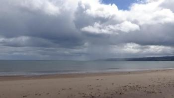 UK Weather: Cooler Weekend, Mostly Dry & Bright, Showers In The North Sunday