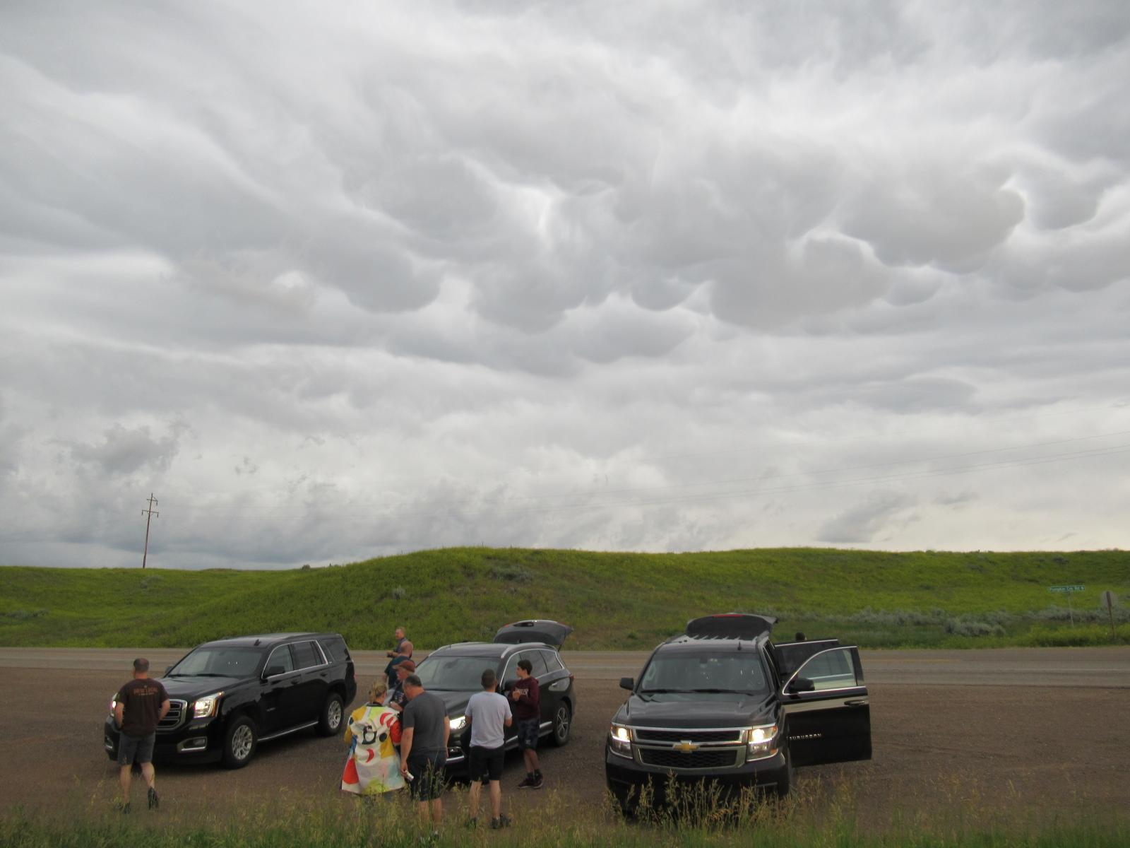 Storm Chasing cars Mammatus