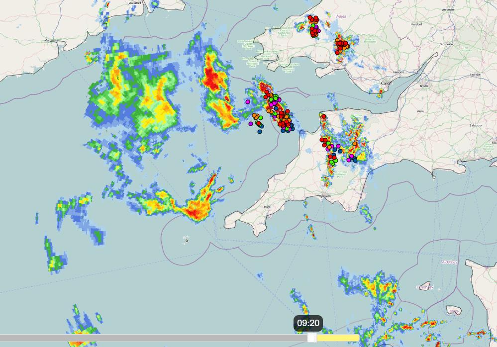 UK thunderstorms lightning