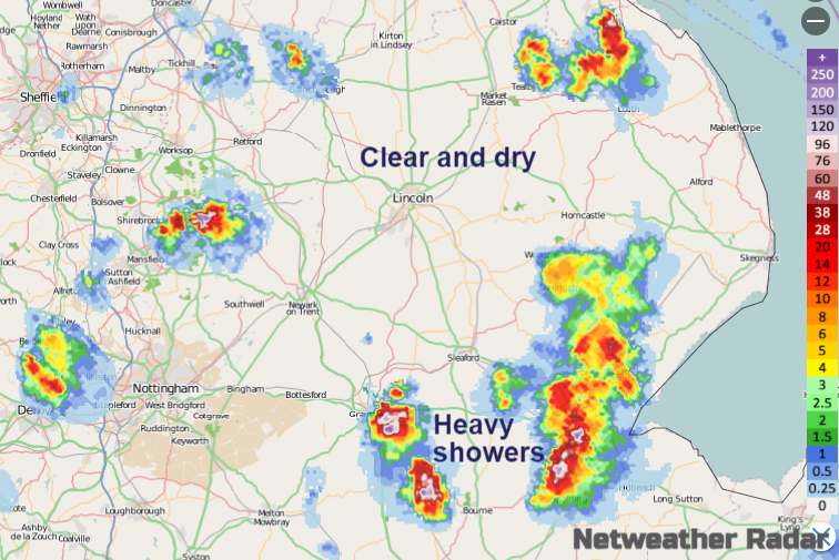 Showers on the Netweather Radar